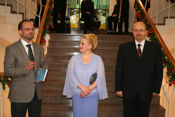 Roman Bessmertniy, Ambassador of the Ukraine in Belarus and Liubou Uladykouskaja, Vladimir Karyagin are conducting the event